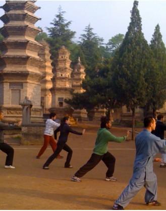 2 месяца тренировок Кунг Фу | Школа Традиционного Кунгфу КсинЛон - Цзилинь, Китай