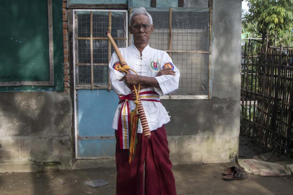 мастер боевых искусств Мьянмы